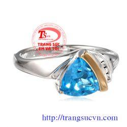 Nhẫn topaz tam giác  đẹp