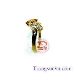 Nhẫn đá sapphire vàng đẹp