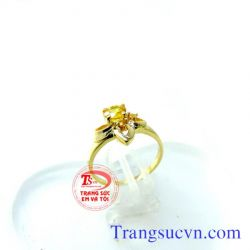 Nhẫn nữ vàng đá sapphire thiên nhiên