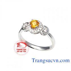 Nhẫn nữ đá sapphire vàng đẹp