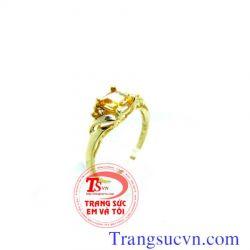 Nhẫn nữ đá sapphire vàng vuông đẹp