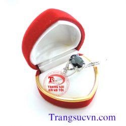 Nhẫn nữ sapphire đen theo mệnh