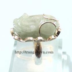 Nhẫn bạc gắn tỳ hưu màu trắng