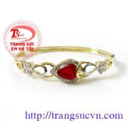 Vòng tay vàng gắn đá ruby đẹp
