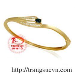 Vòng tay vàng tây đá sapphire đen