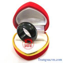 Nhẫn đá mã não đen đẹp