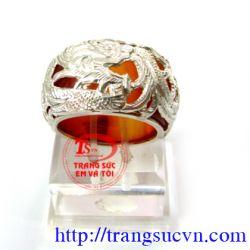 Nhẫn mã não bọc rồng TSVN