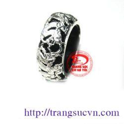 Nhẫn mã não đen bọc bạc đẹp